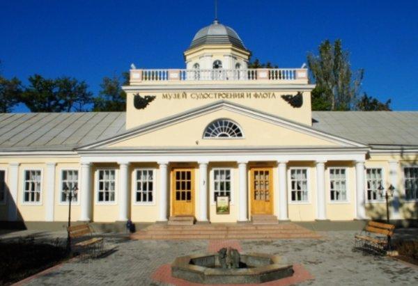 Виктор Головачев проводит в Николаеве выставку картин и скульптур